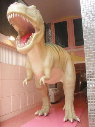玄南通りの恐竜