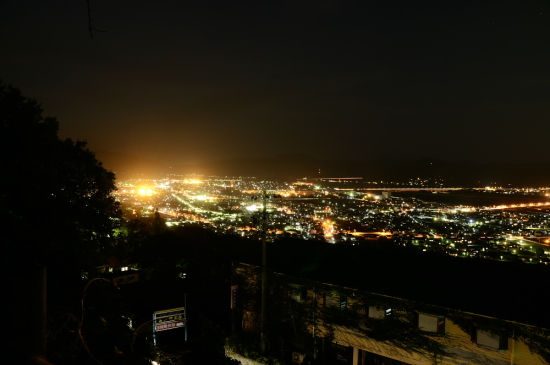 金谷駅方向の夜景
