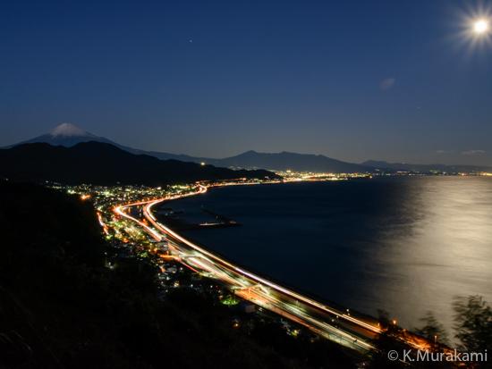 由比寺尾の夜景 由比港と富士山