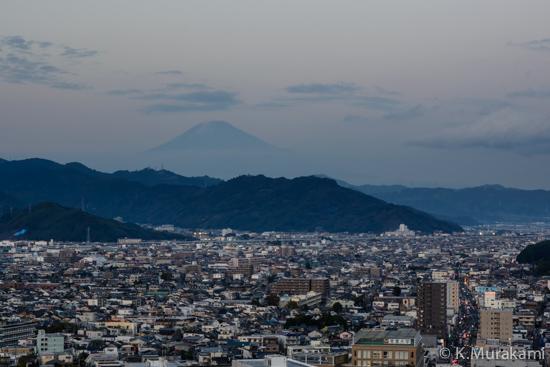静岡県庁別館21階展望ロビーから望む富士山