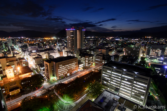 静岡県庁別館21階展望ロビーの夜景 西側