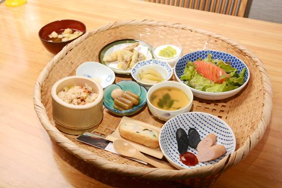 Hachikuya06