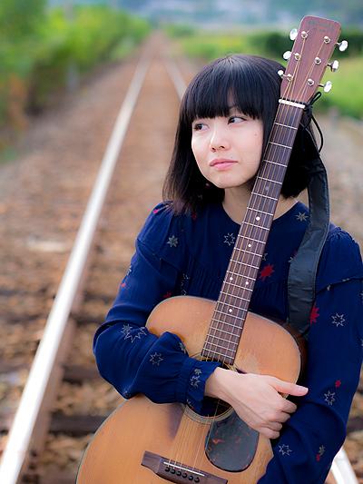 Mami_guitar
